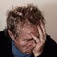 Gevolgen van snurken - depressieve man